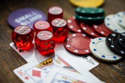 НАП поема контрола над хазарта