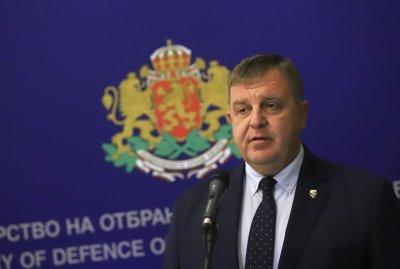 """Каракачанов зове за диалог, не за """"евтина борба за власт"""". Вижда два пътя пред властта"""