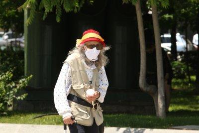 Нови мерки в Сърбия: Задължителни маски на открито, за децата препоръчителни