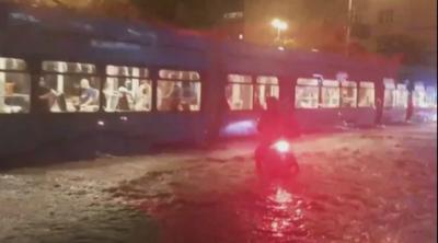 Буря нанесе сериозни щети в Загреб