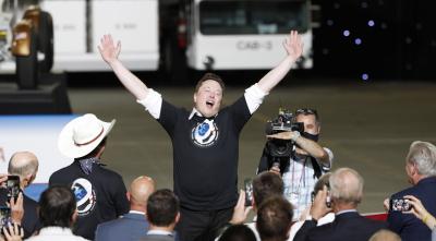 Илън Мъск за първи път попадна в топ 5 на най-богатите хора в света