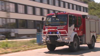 Пожарникар е пострадал при гасене на пламъци край жп линията в Русе