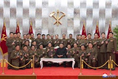 Ким Чен Ун почете войниците, загинали в Корейската война