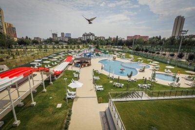 """9.5 млн. лева е инвестицията за аквапарк """"Възраждане"""", скоро в басейните и минерална вода"""