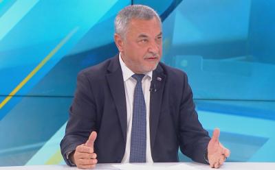 Валери Симеонов: Никой вариант не е изключен за промените в кабинета