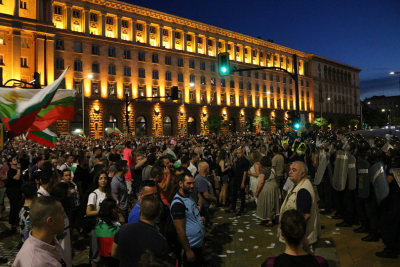 Наказват четирима полицейски служители заради превишени правомощия по време на протестите