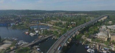 Аспаруховият мост във Варна без осветление заради кражби на захранващи кабели