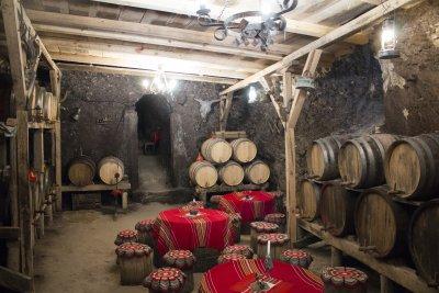 Решено: ДДС-то за виното и бирата става 9%