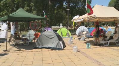 Палатков лагер и във Варна, без блокади на улици и кръстовища