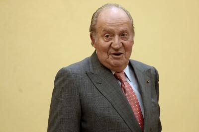 Крал Хуан Карлос отива в изгнание заради корупция