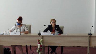 След мерките за българи в Германия: Министър Николова на спешна среща с туроператори