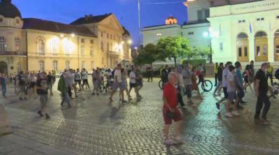 27-и ден на антиправителствени протести: Палатковите лагери в София остават (ОБЗОР)