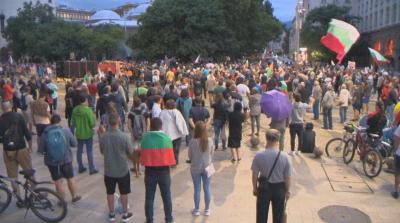 28-и ден на антиправителствени протести: Блокадите в София остават (ОБЗОР)