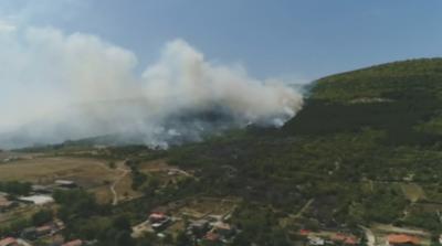 Продължава гасенето на локални огнища на пожара край Шумен