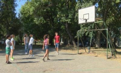 """""""Искаме игрище"""" - тийнейджъри с петиция до кмета на село Първомайци"""