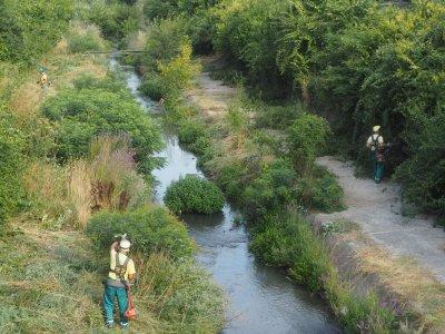 Започна почистването на коритото на река Бели Лом в Разград
