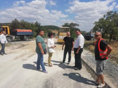 Караянчева: Над 17 млн. лв. ще бъдат вложени в пътя Кърджали-Мост-Манастир