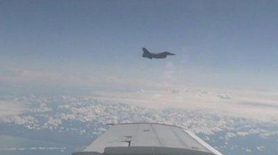 Руски изтребител прихвана американски шпионски самолети над Черно море