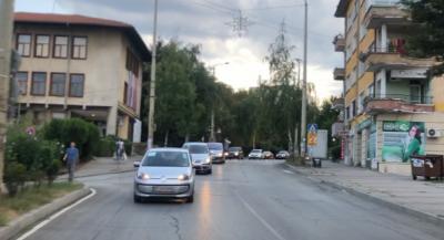 Протестно автошествие и във Велико Търново