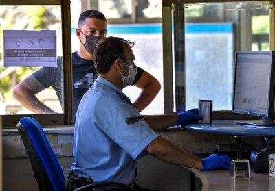 Обмислят въвеждане на локална карантина в Гърция