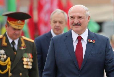 Лукашенко прехвърля десантчици по границата с Полша