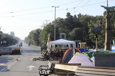Протестиращите обмислят да променят тактиката си през следващите дни
