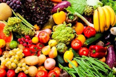 Картофи, краставици и кайсии са поевтинели драстично през юли