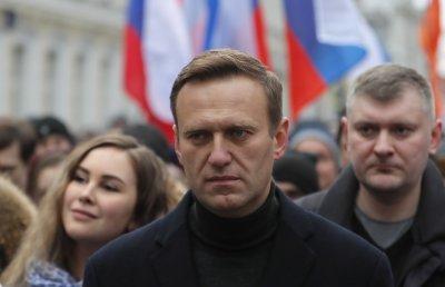 Русия позволи Навални да бъде транспортиран за лечение в Германия