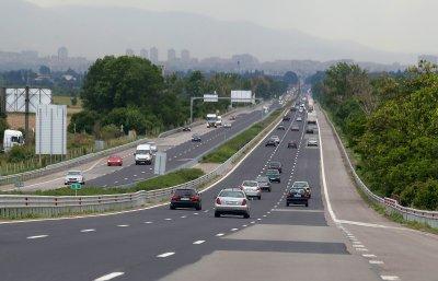 Извънредната обстановка заради Covid-19 не спря българите да пътуват
