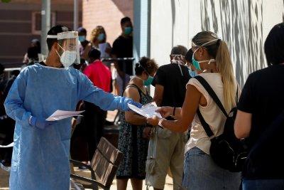 СЗО: Пандемията забавя темпо