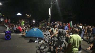 Полицията в Пловдив премахна палатките на протестиращите