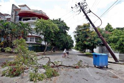 Бурята Лаура набира скорост: Очаква се да удари Хюстън, Тексас и Луизиана