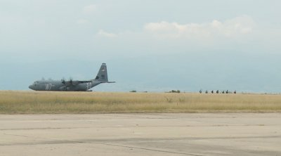 Българо-американски военни демонстрации на летище Чешнегирово