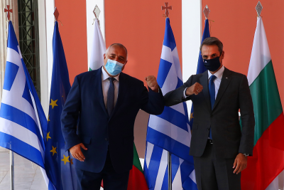 Окончателно: България подписа договор за придобиване на 20% от терминала за втечнения газ в Александруполис