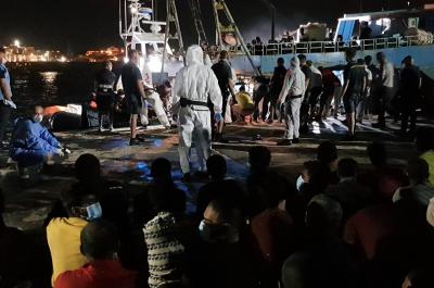 Лампедуза на протест срещу бежанците от Африка