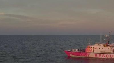 Спасиха всички мигранти от кораба на Банкси