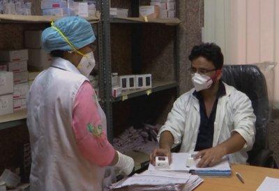 В Делхи следят пациенти с COVID-19 с уред за 13 долара