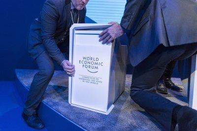 Отлагат икономическия форум в Давос