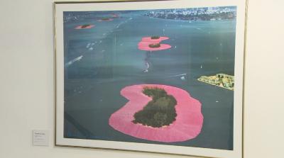 "Плакати на Кристо и Жан Клод в галерия ""Аросита"""