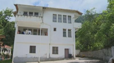 Разследват случая с болните от COVID-19 в дома в Джурково