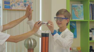 Видеопоредица във фейсбук представя науката по интересен начин за деца