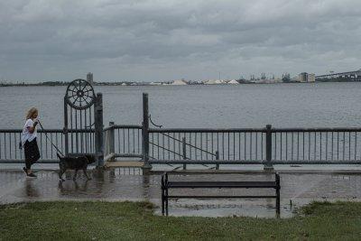 Ураганът Лаура може да се засили до пета степен