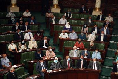 Парламентът на Тунис одобри новото правителство