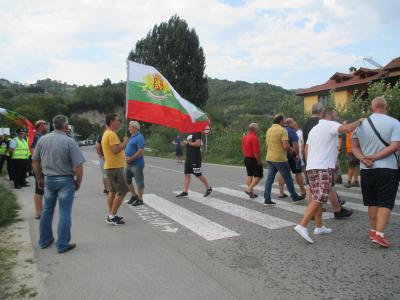 """От 7 септември се очаква граничният пункт """"Илинден"""" да бъде отворен за товарните автомобили"""