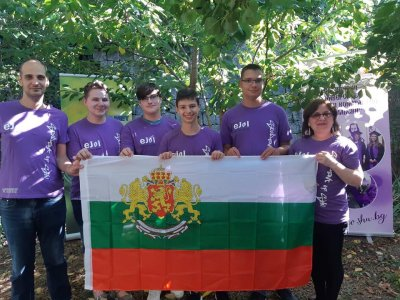 Български ученици спечелиха 7 медала от младежката евроолимпиада по информатика