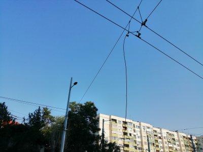 """Кабел от тролейбусната мрежа се откачи в квартал """"Люлин"""""""