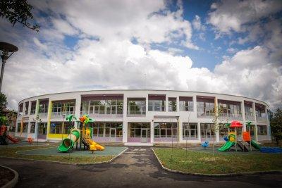 Столичната община занижи изискванията за сградите за образование