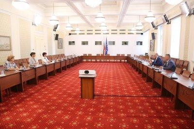 ВМРО преговаря с ГЕРБ за референдум