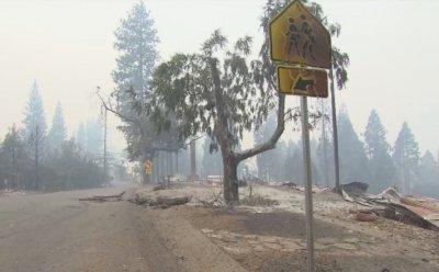 14 000 пожарникари се борят с горските пожари в Калифорния