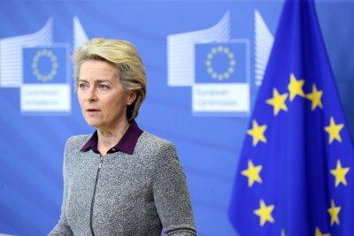 Фон дер Лайен спешно изпраща гръцкия еврокомисар на Лесбос